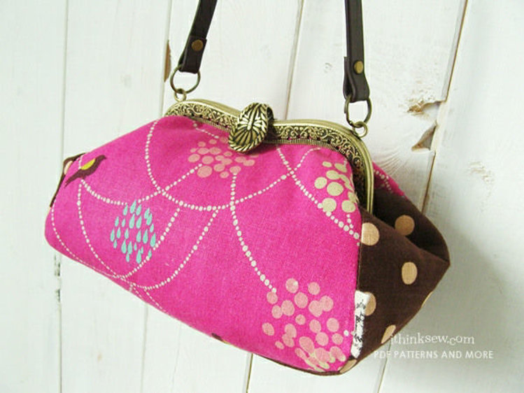 Picture of Annalise Metal Clutch Bag PDF Pattern