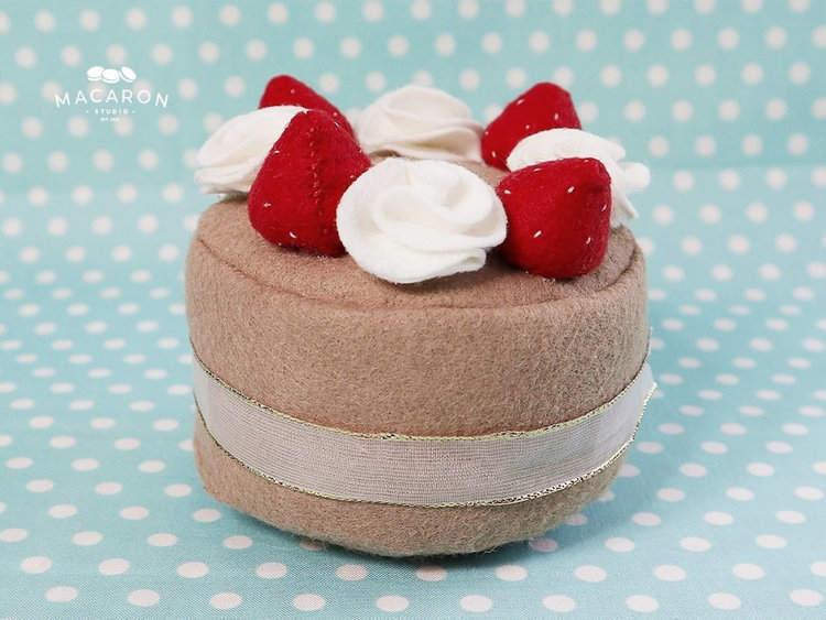 Picture of Felt Strawberry Cake PDF Pattern