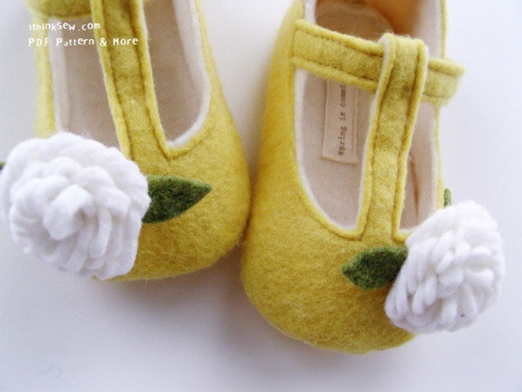 Picture of Janet Felt T-Strap Baby Booties PDF Pattern
