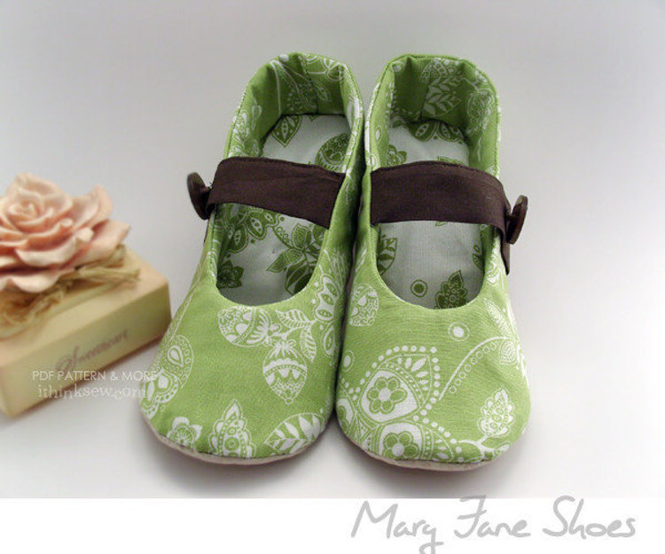 Picture of Annie Women's Mary Janes PDF pattern