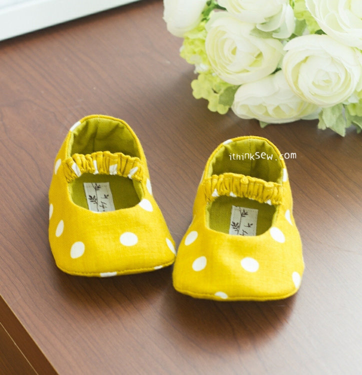 Picture of Juliet Baby Mary Janes PDF Pattern