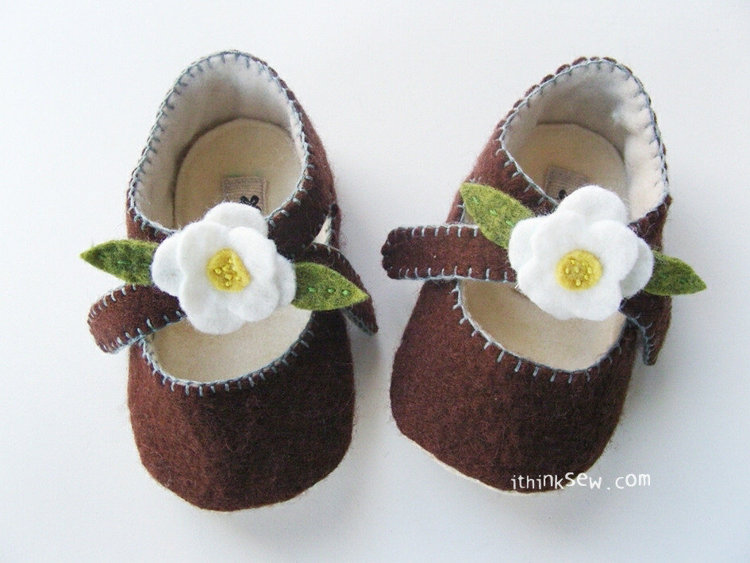 Picture of Lilly Baby Mary Janes PDF Pattern