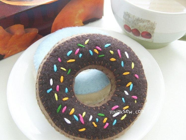 Picture of FREE - Felt Duncan Donut PDF Pattern