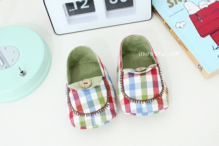 Picture of Micky Baby Moccasins PDF Pattern