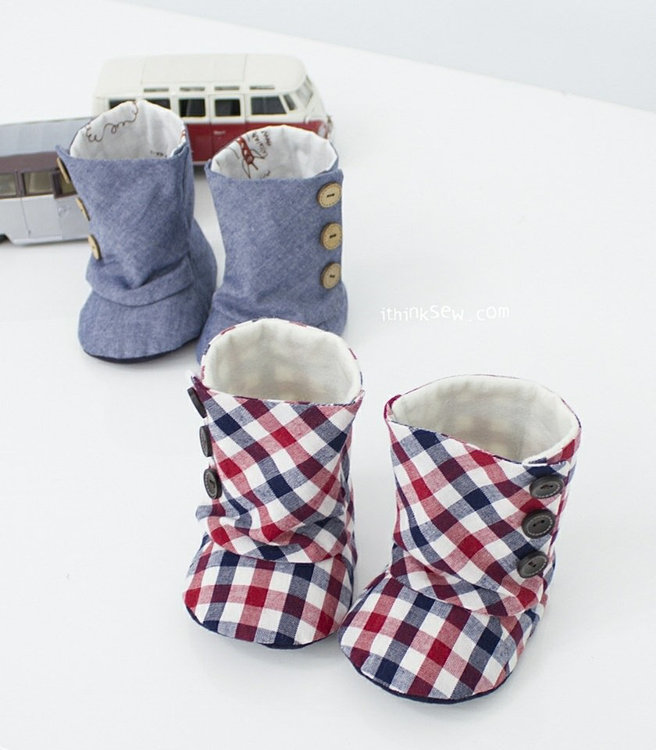 Picture of Baby 3 Button Boots PDF Pattern Size 1,2,3,4
