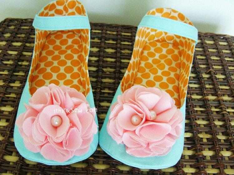 Picture of Charlotte Women's Mary Janes PDF Pattern