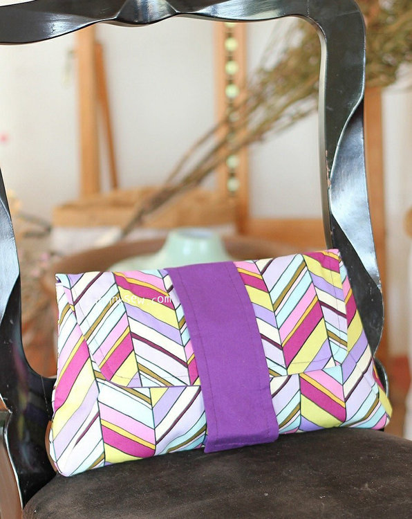 Picture of Alanis Clutch PDF Pattern