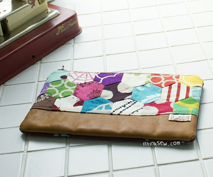Picture of Melinda Zipper Pouch PDF Pattern