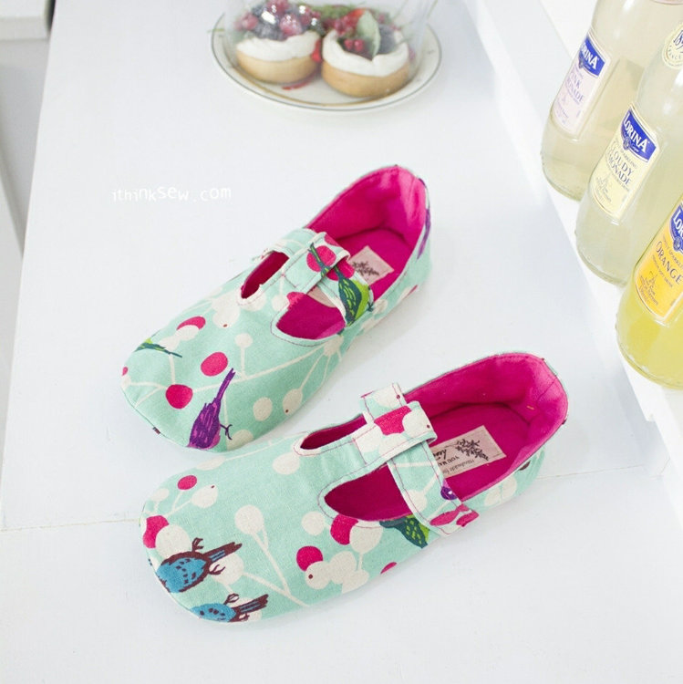 Picture of Janna Women's T-Strap Shoes PDF Pattern