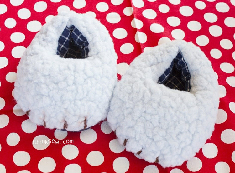 Picture of Grizzly Bear Baby Shoes PDF Pattern