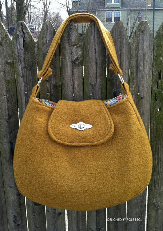 Picture of The Uptown Hobo Bag PDF Pattern