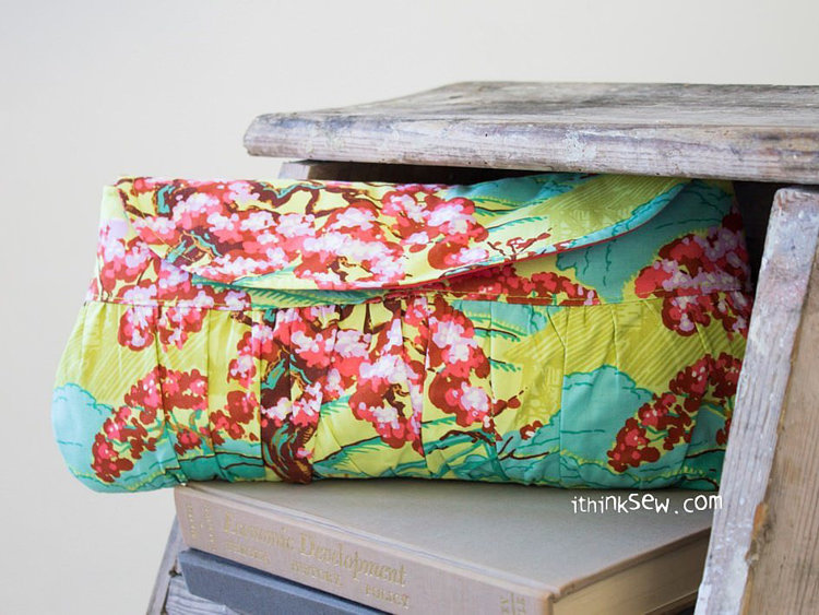 Picture of Henna Clutch PDF Pattern