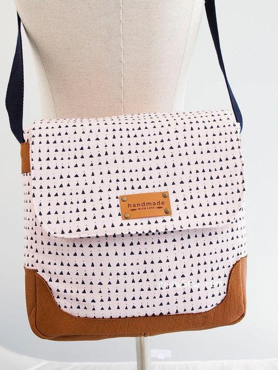 Picture of Jelani Cross Bag PDF Pattern