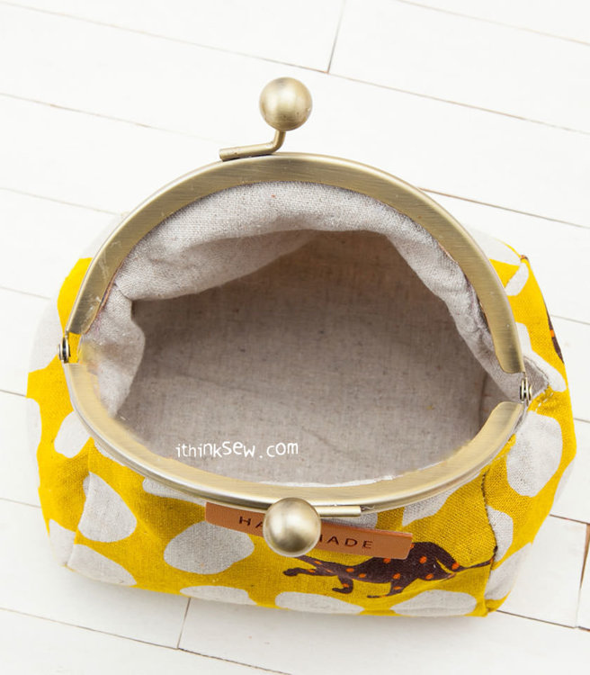 """Picture of Leah 5"""" Metal Clutch PDF Pattern"""
