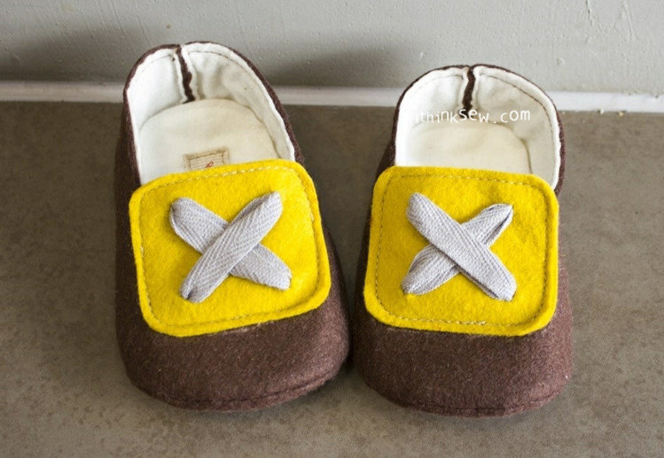 Picture of Ember Felt Baby Booties PDF Pattern