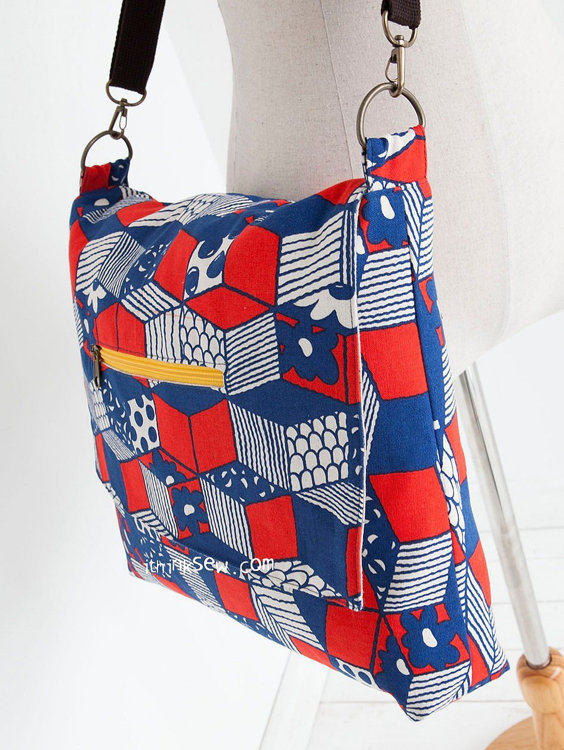 Picture of Gabby Messenger Bag PDF Pattern