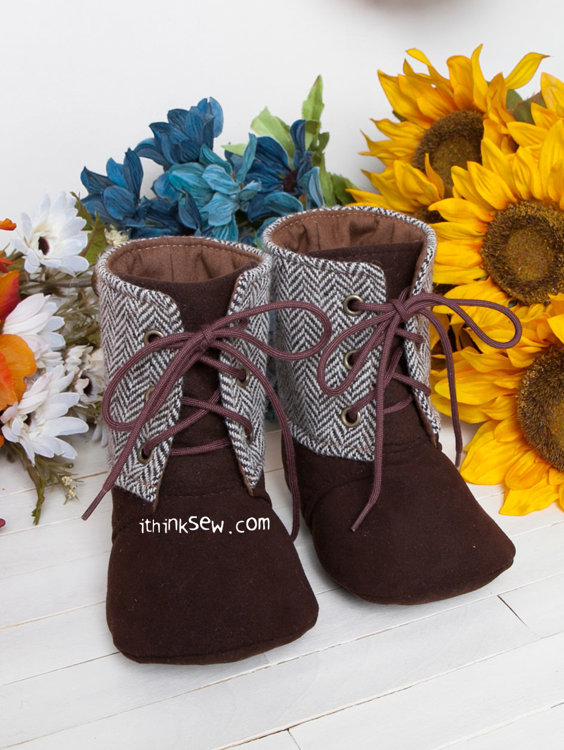 Picture of Mitchelle Baby Boots PDF Pattern
