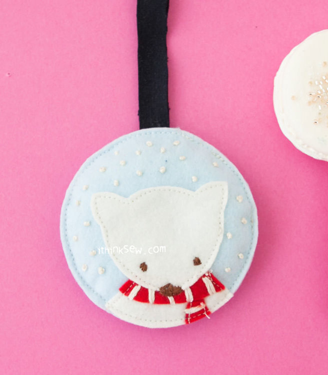 Picture of Polar Bear Ornament PDF Pattern