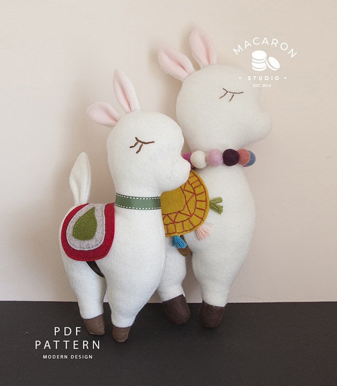 Picture of Llama Plush Dolls PDF Pattern
