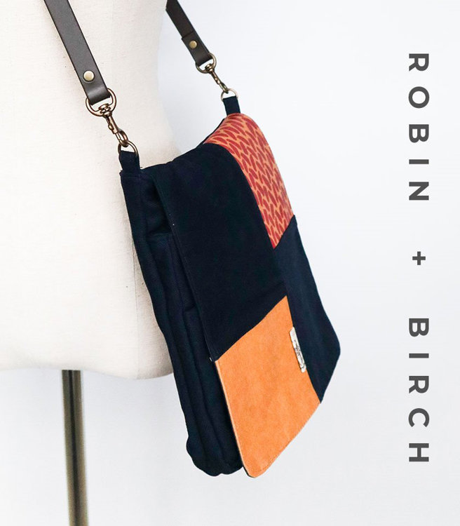 Picture of Evelyn Tablet Bag PDF Pattern (2 sizes) with Video Tutorial