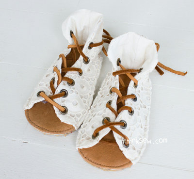 image for Payton Baby Sandals PDF Pattern (#824) - Subscribers Only