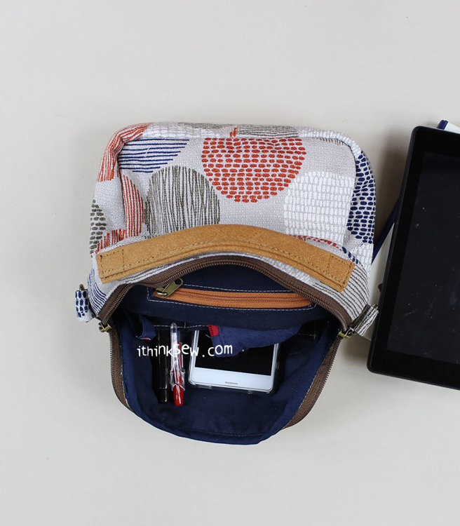 Picture of Harlow Zip Down Card Pocket Cross Bag PDF Pattern