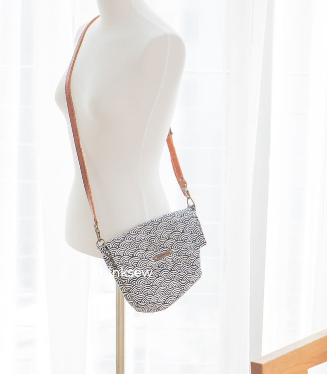 Picture of Sila Square Flap  Bag PDF Pattern (#3570)